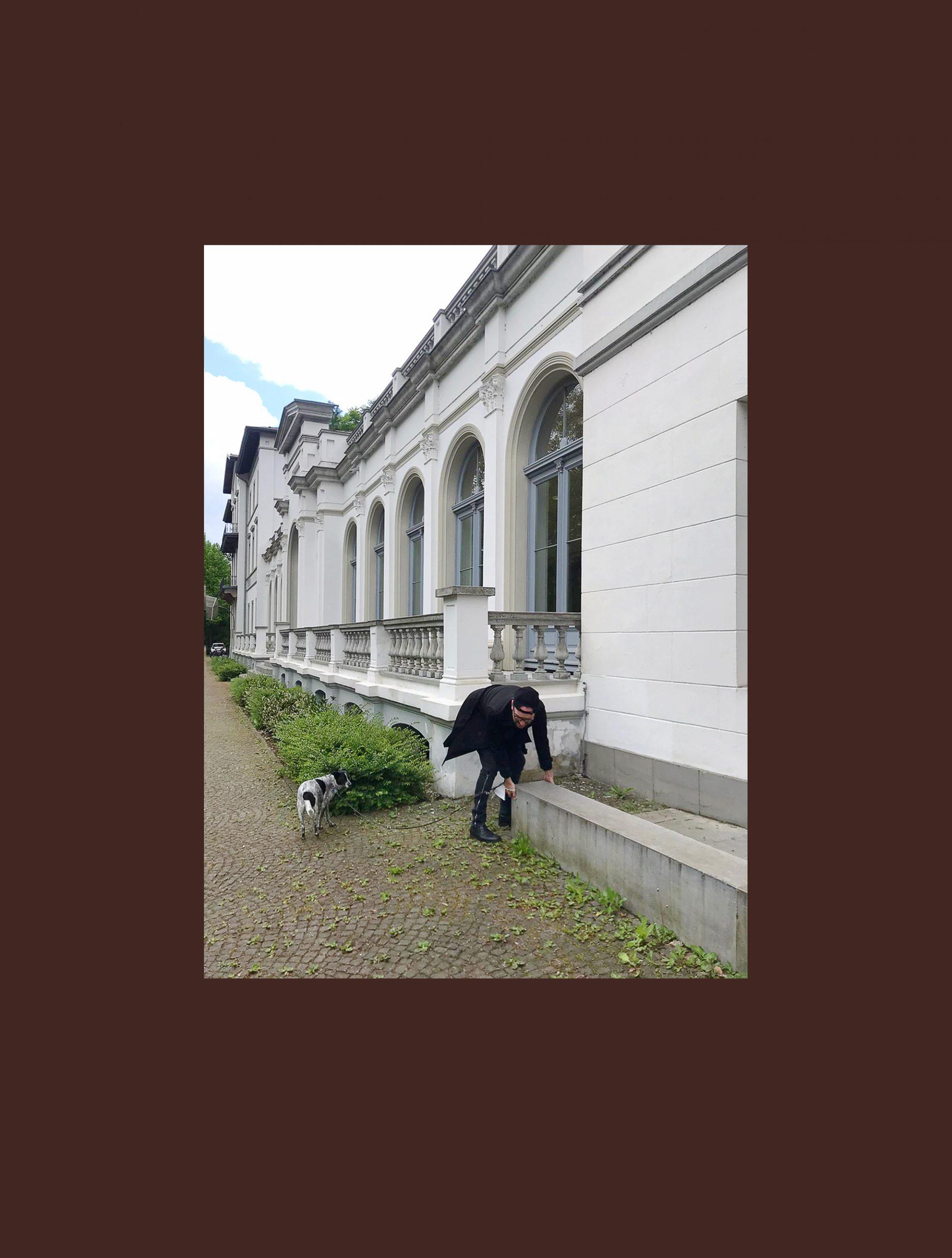 Engenhart verlängert zu Beuys Geburtstag bestehendes Material um 100 Zentimeter in die Zukunft.